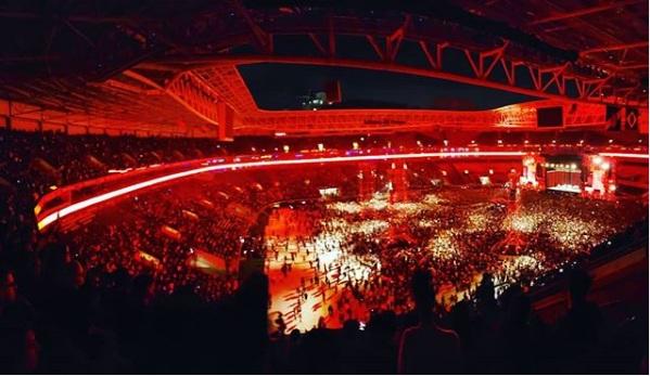Fantástico ver 45 mil pessoas cantando os grandes sucessos do Los Hermanos