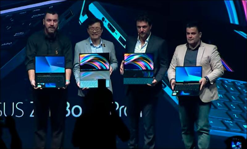 Marcel Campos, S.Y. Hsu, Rodrigo Lombardi e Maurício Ruiz apresentando a série ZenBook