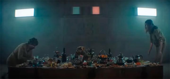 As sobras de um banquete... menos comida a cada nível inferior